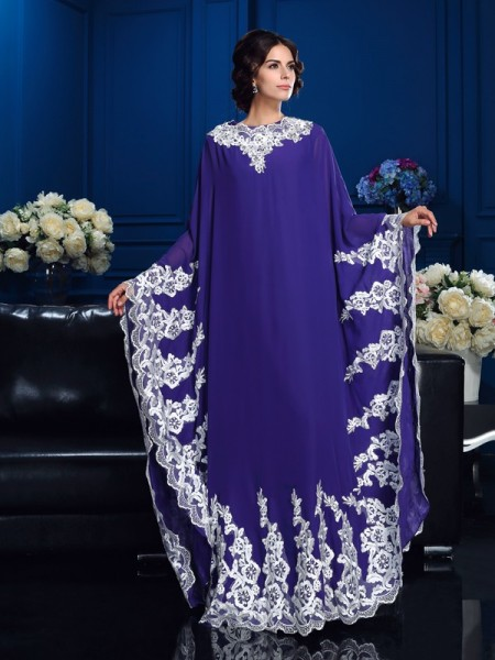 A-Line/Princess Scoop Applique Mother of the Bride Dress with Long Chiffon