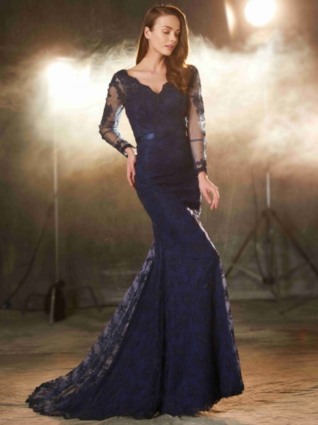 Trumpet/Mermaid V-neck Long Sleeves Applique Sweep/Brush Train Lace Dress