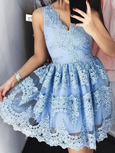 A-Line/Princess V-neck Short/Mini Dress with Lace